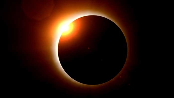Total Solar Eclipse with Diamond ring