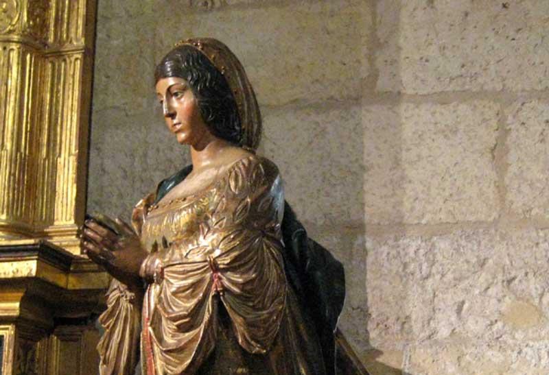 Statue of Isabella by Felipe Bigarny in Granada