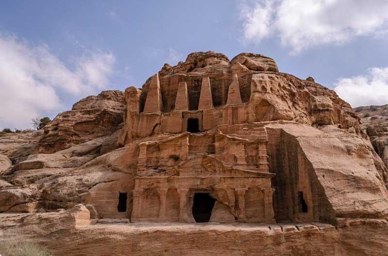 Bab Al Siq and the Obelsik Tomb