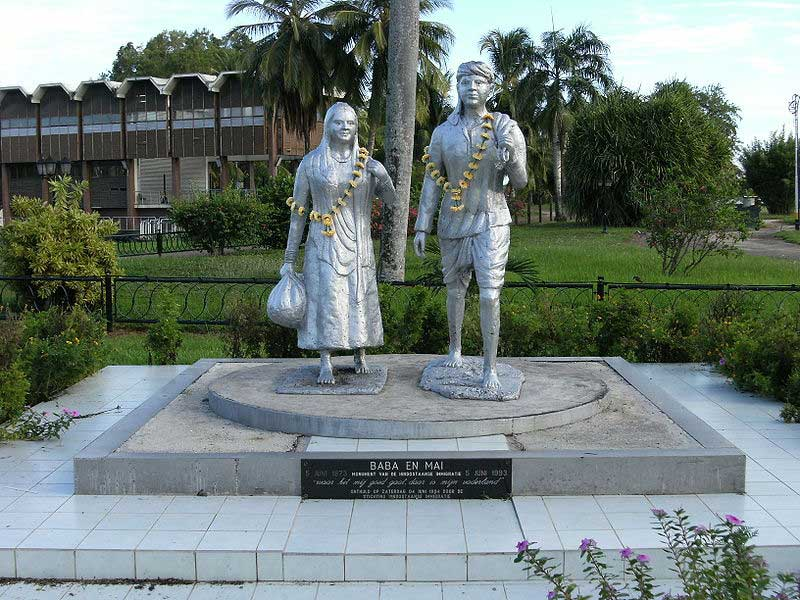 Baba and Mai Memorial in Paramaribo