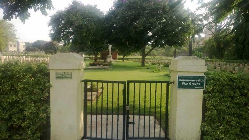 Commonwealth War Graves - Entrance