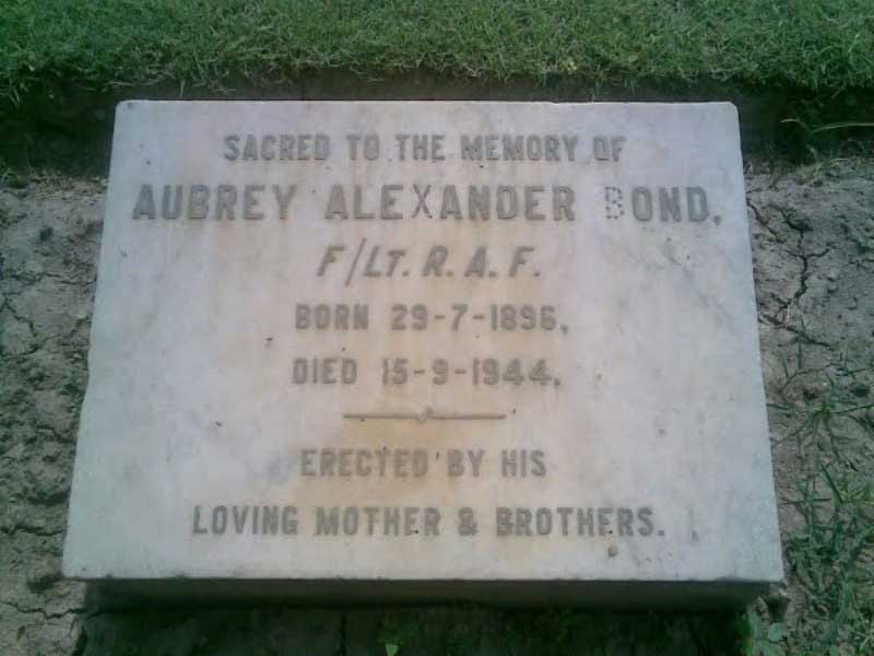 Tombstone of Abrey Alexander Bond