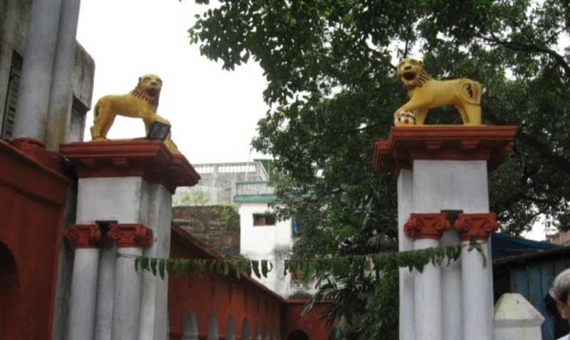 Shobhabazar Rajbari - Entrance