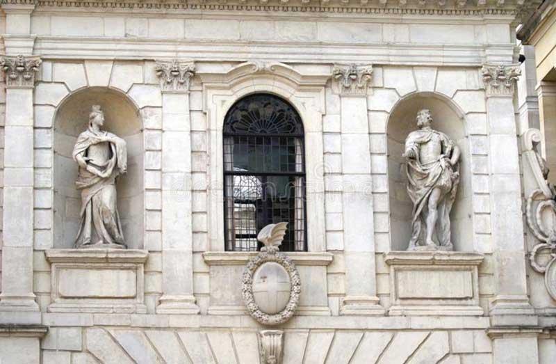 Temple Bar Gateway - details
