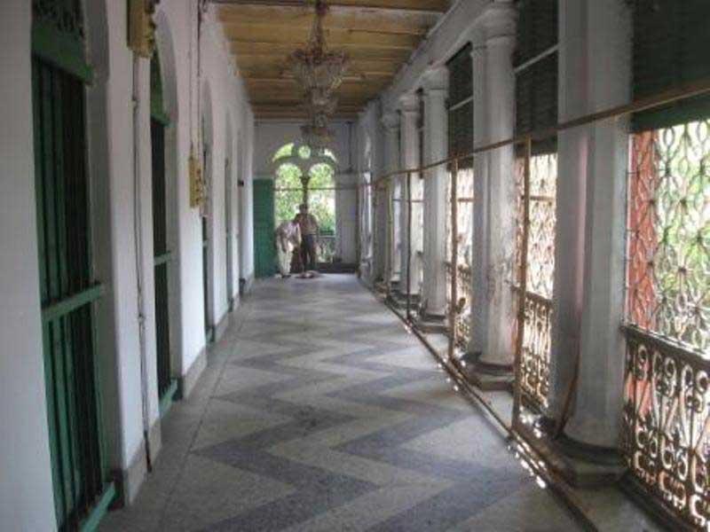 Ramdulal Niwas - a lone corridor