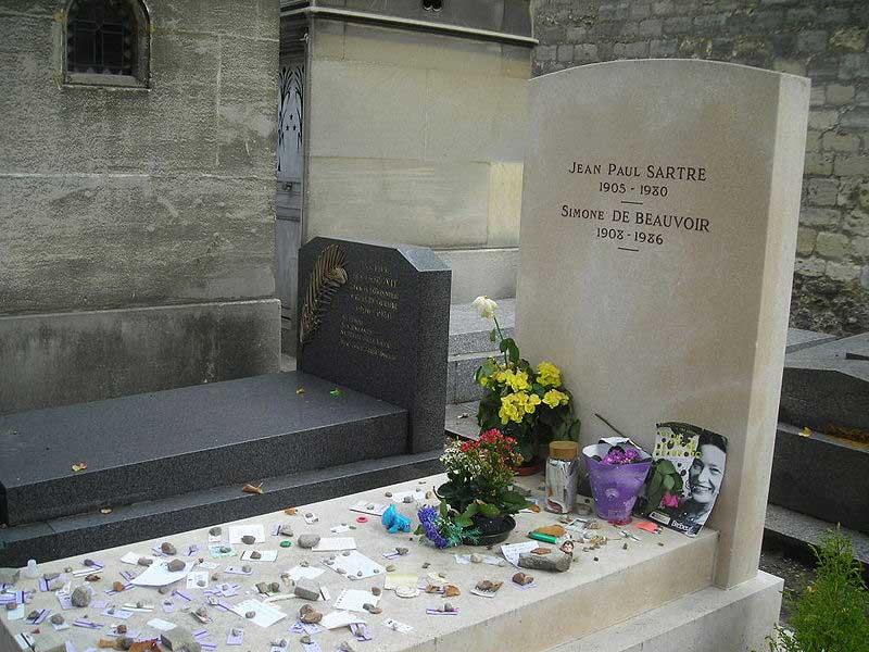 Simone and Sartre's grave at the Cimetière du Montparnasse