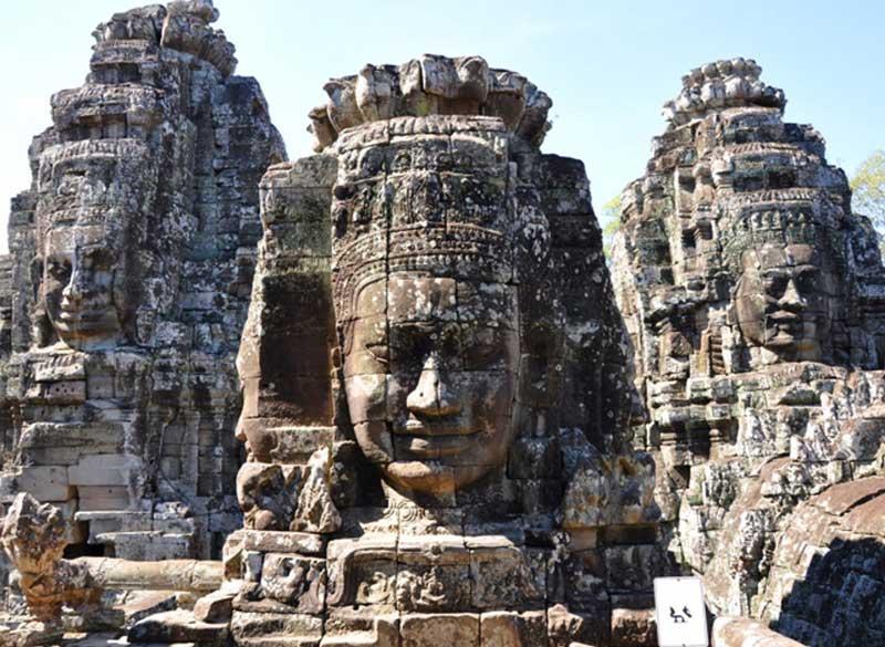 Face towers depicting Bodhisattva Avalokiteshvara