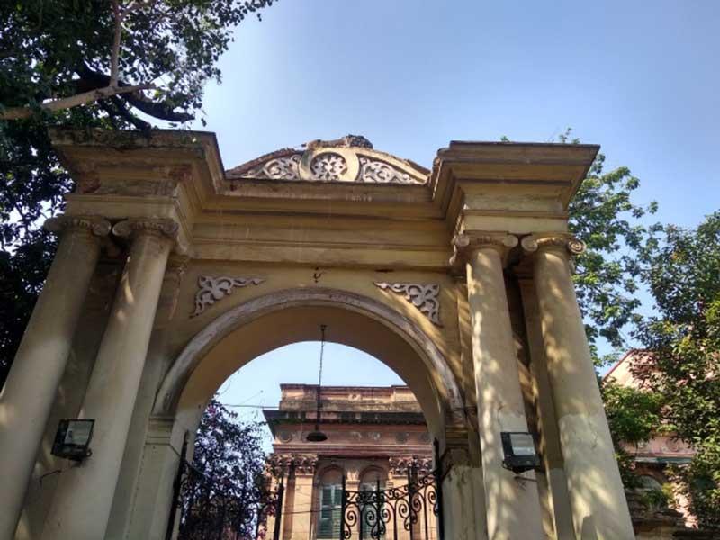 The grand gateway