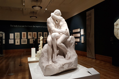 The Kiss Sculptures