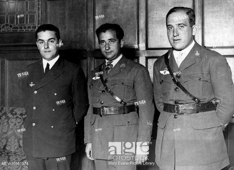 General Franco, as a young Major in army uniform (centre)