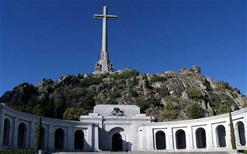 Velle de los Caidos, the memorial