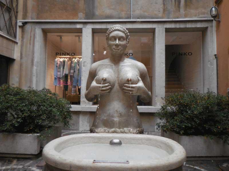 Fontana delle Tette, Treviso