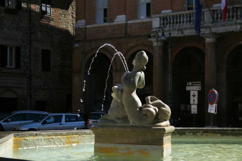 Lactating Fountains of Italy