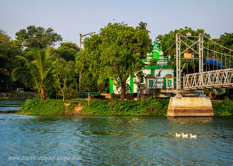 mosque in the lake