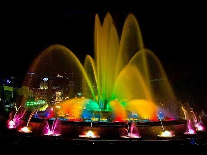The magic fountain, during the day time