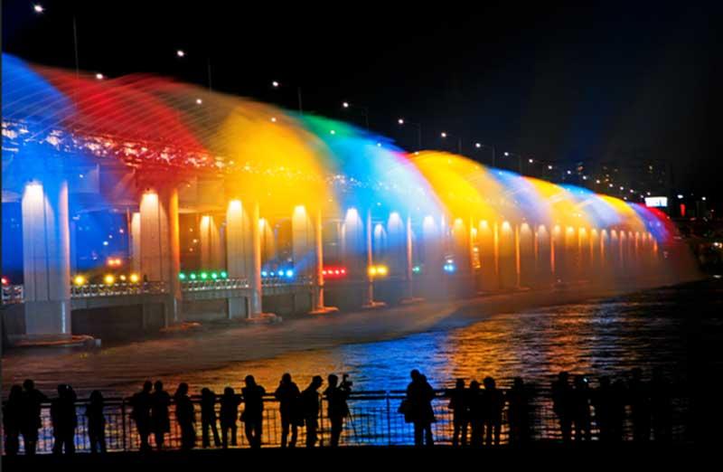 moon ligh trainbow fountain seoul