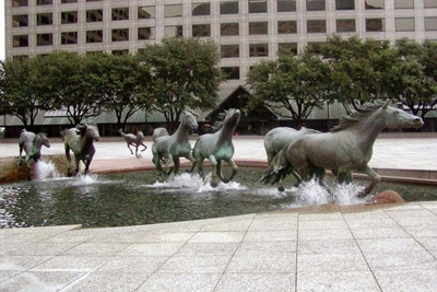Mustangs Las Colinas Texas Sculpture